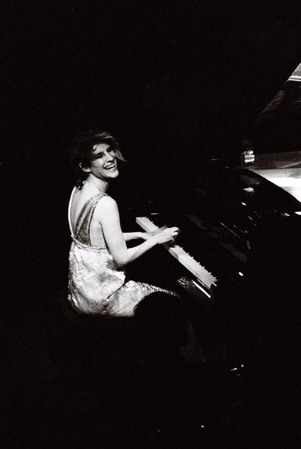 Maximiliane-Wittek-LauraSayaWeider-Kater-Blau-Live2